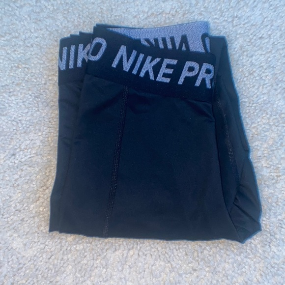 Nike Pro Womens Leggimgs